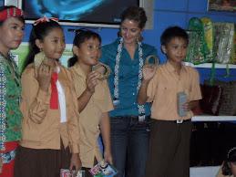 Juara Menganyam Bambu BP Migas Total Indonesia