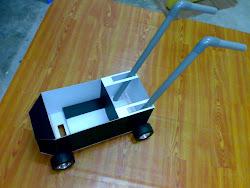 model alat mengecat garisan padang
