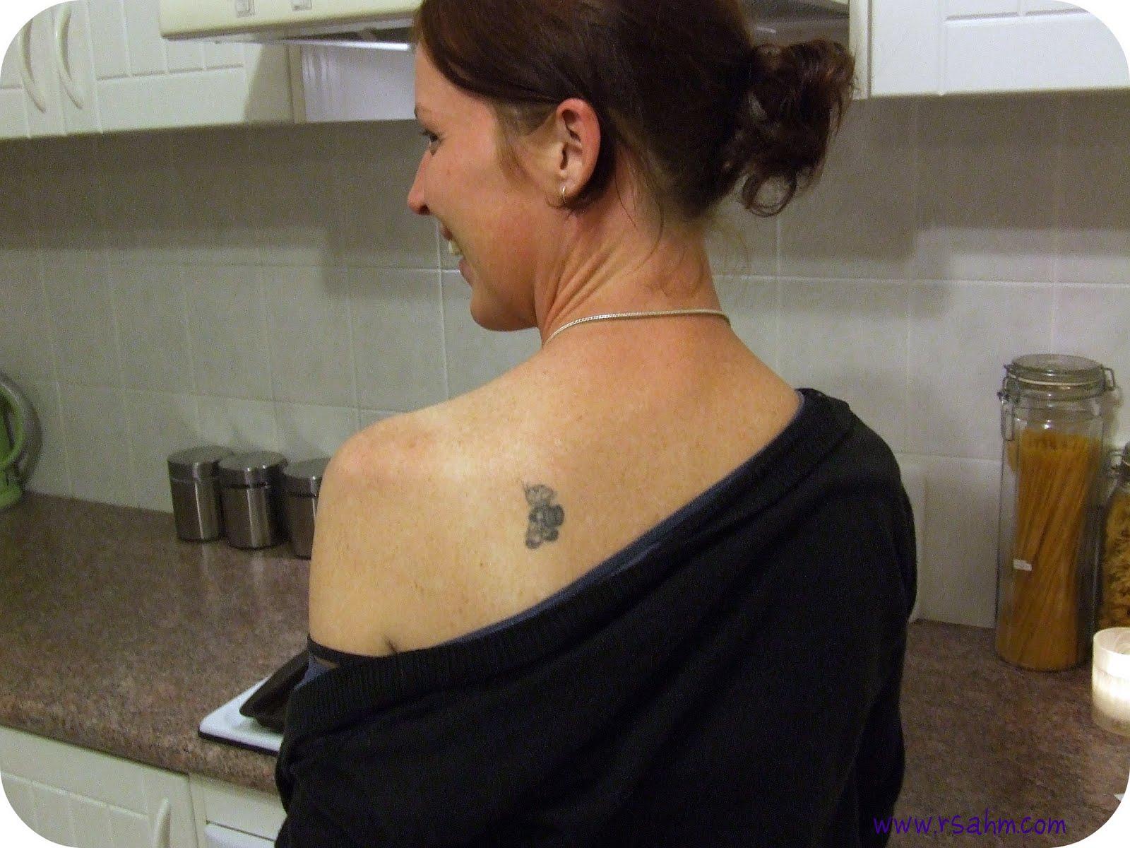 http://1.bp.blogspot.com/_DlRGzY1sgms/TC8c24i0gbI/AAAAAAAABLs/4wKwpbKYtHw/s1600/tattoo2.jpg