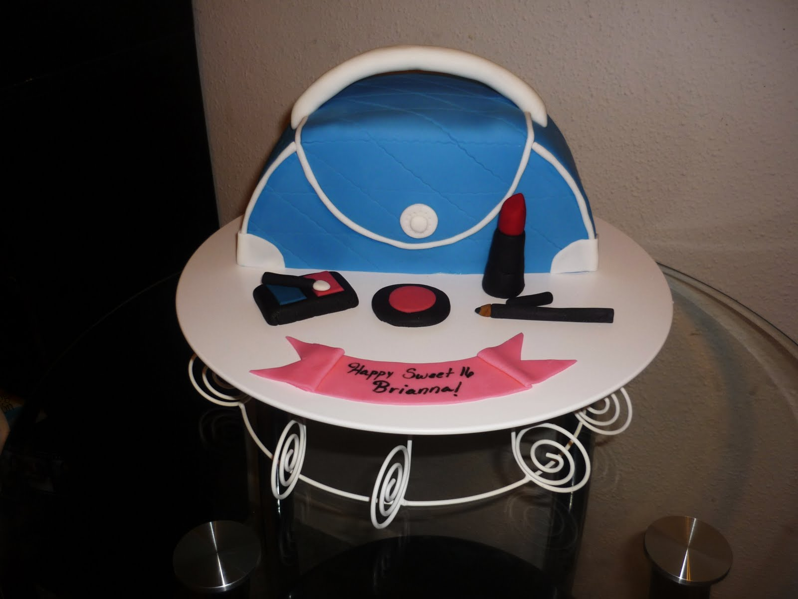 Speciality Cakes And Cupcakes New Orleans By Yanys Cakes Purse