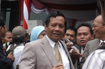 Prof.Dr. Mahfud MD, Ketua MK, Dosen FH-UGM