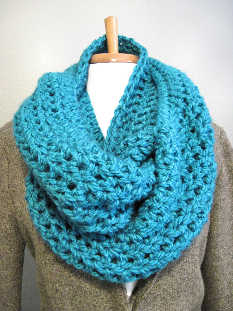 Bulky Scarf Knitting Pattern : DIY: Bulky Cowl Scarf - In the Hammock Vintage Style