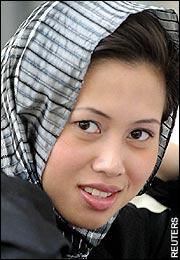 Azrinaz Mazhar Hakim, Sultan Brunei Cerai Talak Satu