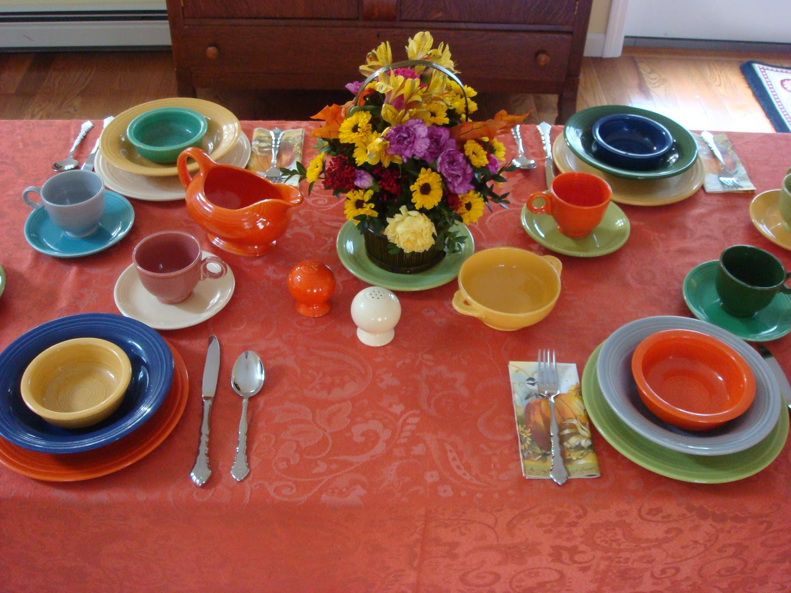 Decorating With Fiestaware How Many People Do You Have At Your Thanksgiving Table There Will Be