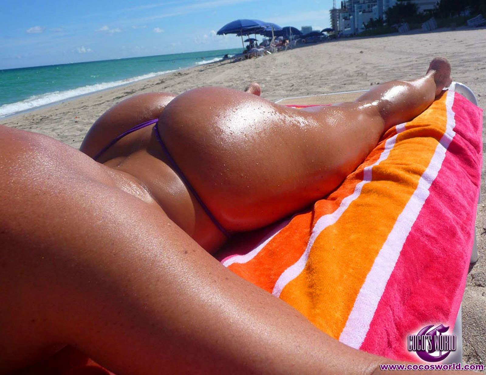 Perky blonde nude beach girls