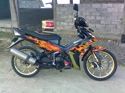 Modifikasi jupiter mx Modifikasi cat Jupiter MX tahun 2006 di Air Brush