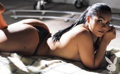 Mujeres Sexys en Tanga Negra