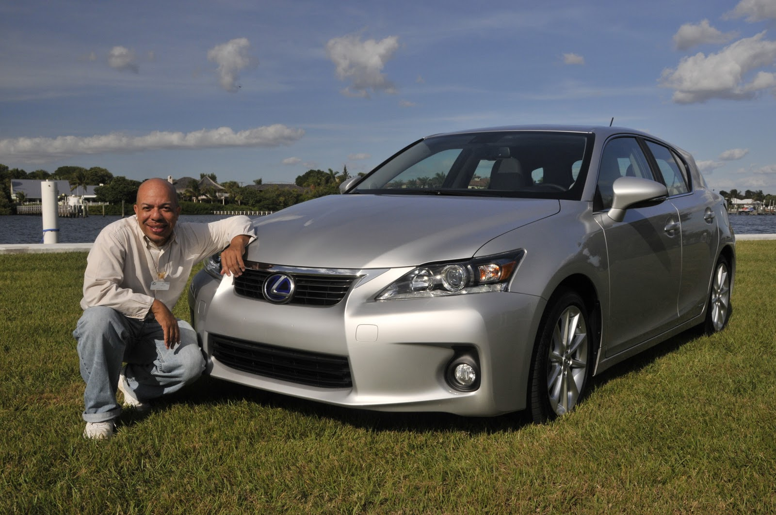 Jeffcarsyour auto industry connection lexus ct 200h luxury lexus ct 200h luxury brand making headway with first sporty hybrid hatchback publicscrutiny Images