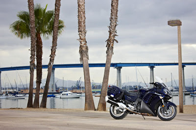 2010 Kawasaki Concours 14 Wallpaper