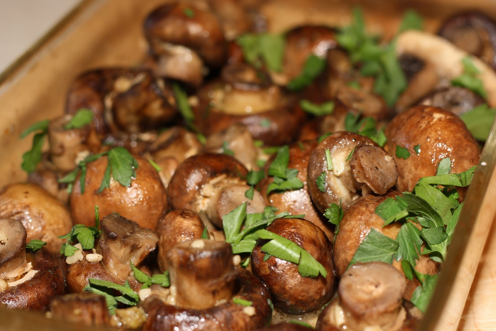 The Bitchin' Kitchin': Garlic Butter Roasted Mushrooms