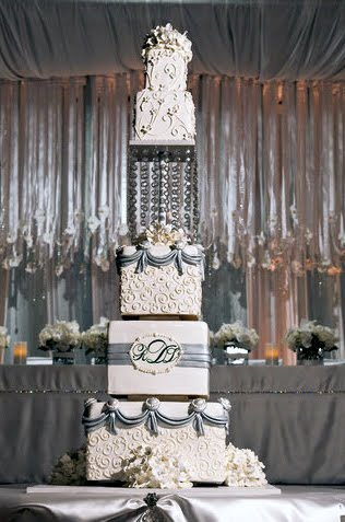 be wowed by these extravagant wedding cakes