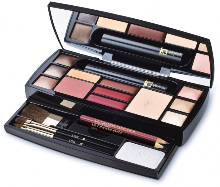 Lancome Absolue Voyage Complete Make-Up Palette's, Upper decker includes :