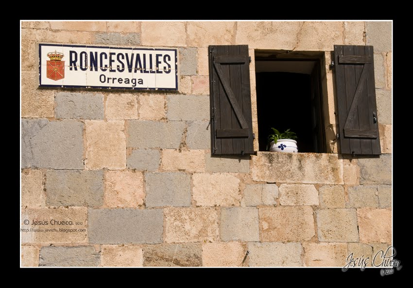 Mundo fotogr fico y m s roncesvalles for Muebles rey arre
