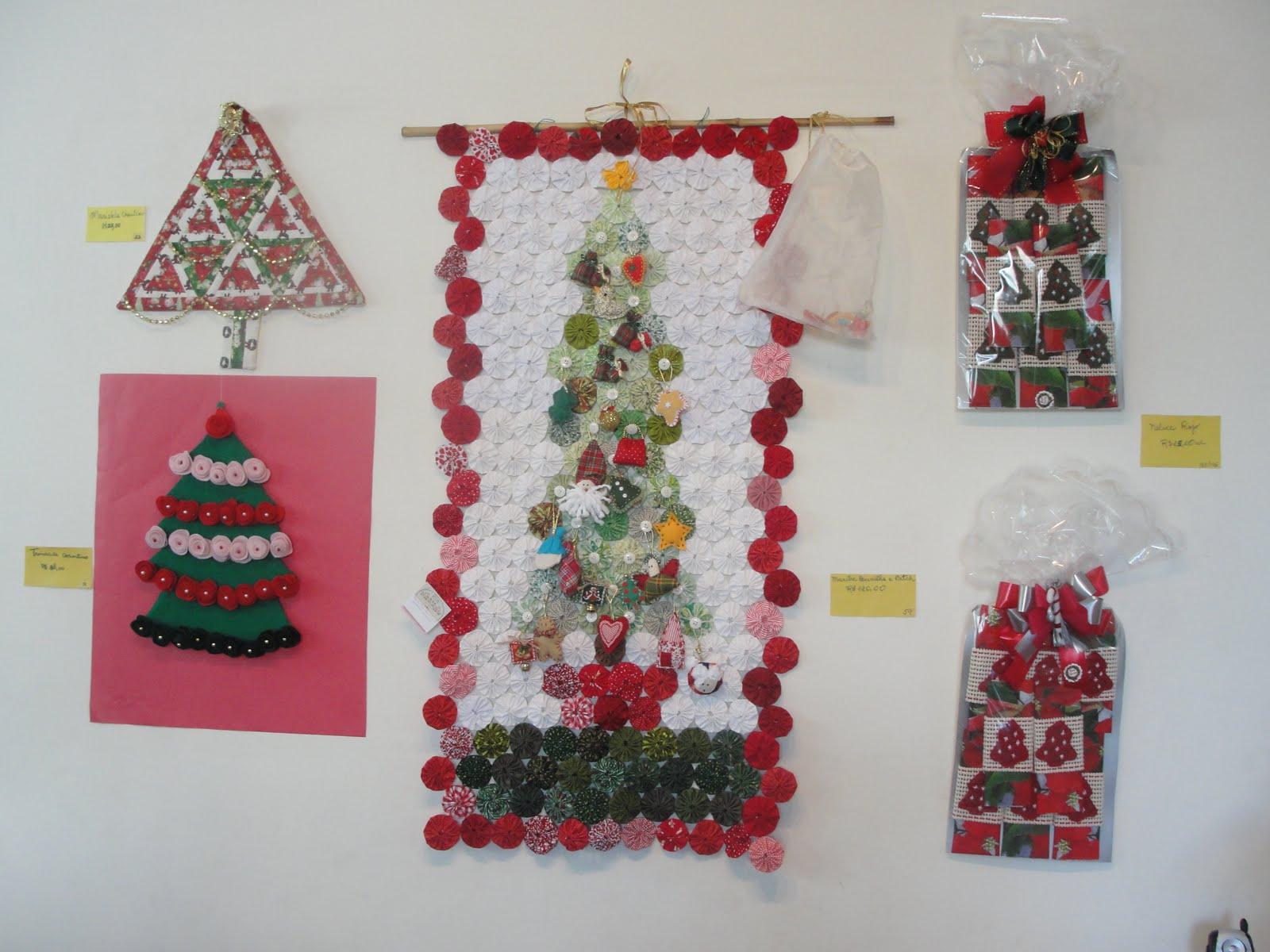 0f7883d76ba Todos os cantinhos do escritório de arquitetura da Denise ficam tomados por  todas as formas e conceitos de árvores de Natal. Vale a pena uma visita!