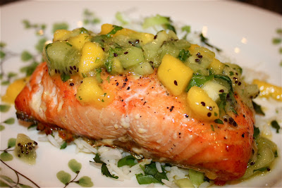 Cedar plank grilled salmon with tropical fruit salsa for Fruit salsa for fish