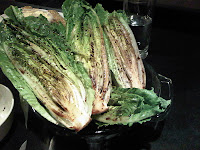Cover lettuce with the delicious dressing