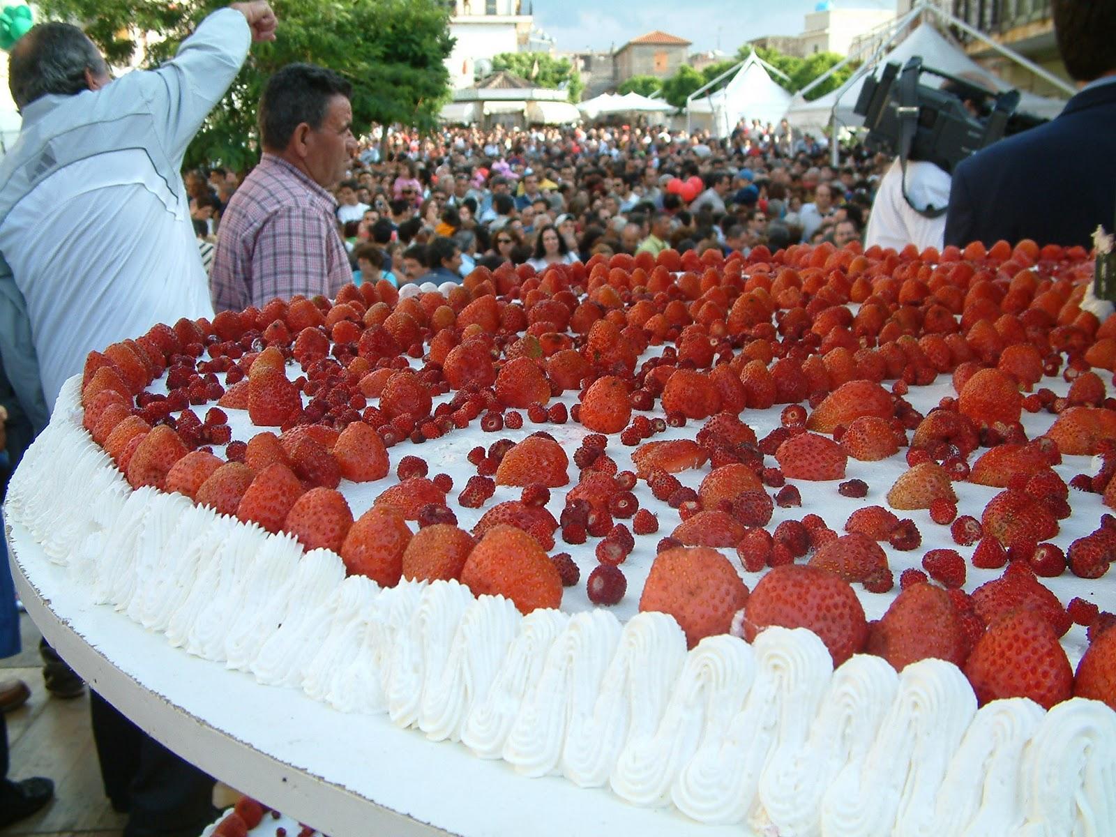 Biggest Cake Images : November 2010 - Italian Style in KuwaitItalian Style in Kuwait