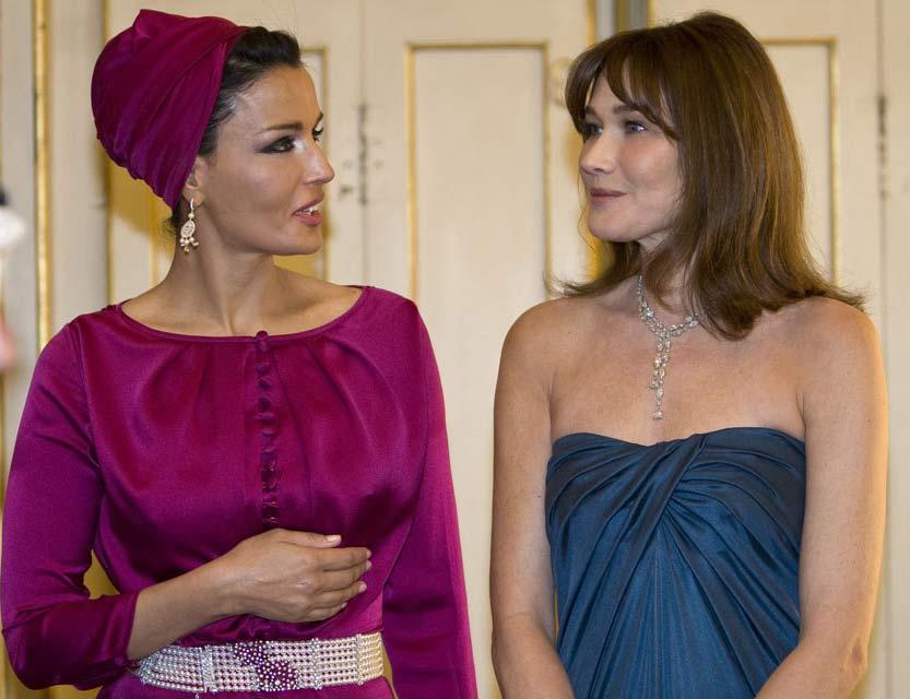 Kate Middleton e Rania di Giordania Carla+Bruni+Sarkozy+Sheikha+Mozah+bint+Nasser+al+Missned+at+the+Teatro+Alla+Scala