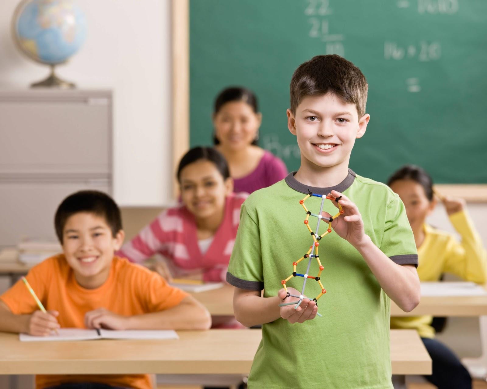 http://1.bp.blogspot.com/_E0lrTQ7bI1Q/TL2p_VwBMiI/AAAAAAAADCw/XbqtYlDGJt4/s1600/cute+smiling+kids+in+class+room+wallpapers.jpeg