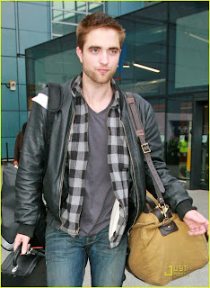 Robert Pattinson Short Hair on Robert Pattinson Short Hair Cut 05 Jpg