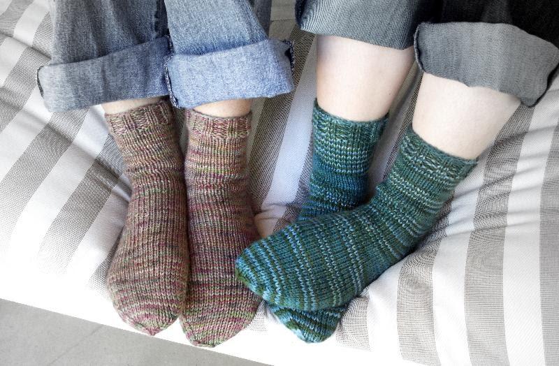 Knitting Patterns For Beginners Socks : Never Not Knitting: Beginner Socks