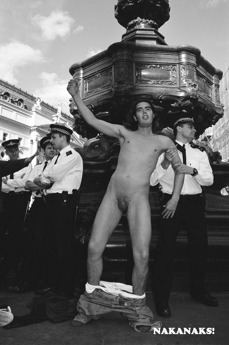 Russell Brand Naked Photos 59