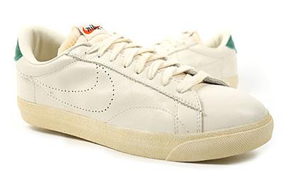 vintage nike tennis sneakers