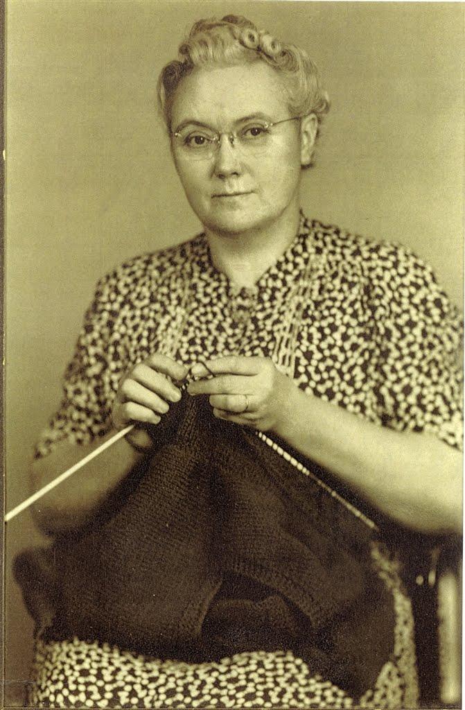 Get Knitting Grandma : Hot flashed funk september
