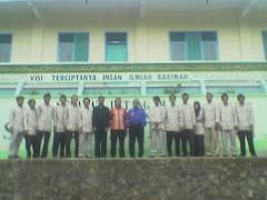 Photo Kangen ant  Dwn Guru SMP PUI dgn Tim Asesor  Akreditasi, Oktober 2008,   Scor Nilai B Plus