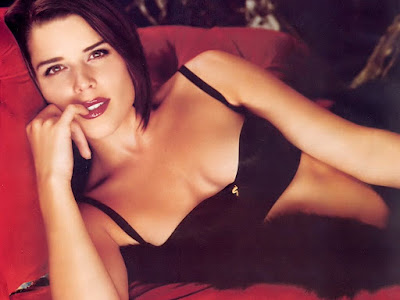 neve campbell nude video. alban dirnhofer. kevin bacon neve campbell