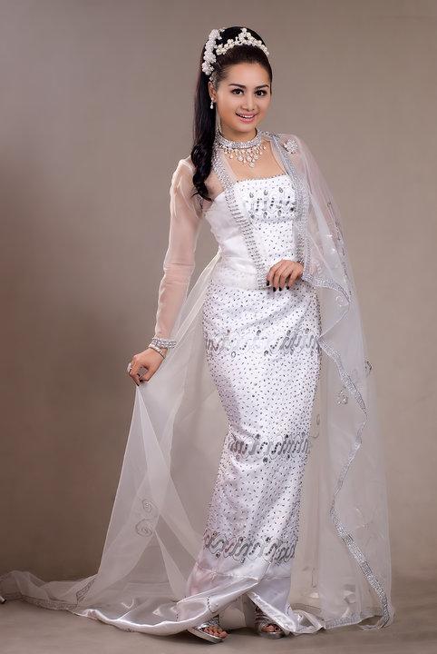 Myanmar Model Thiri Shinn Thant With Burmese Traditional Dress
