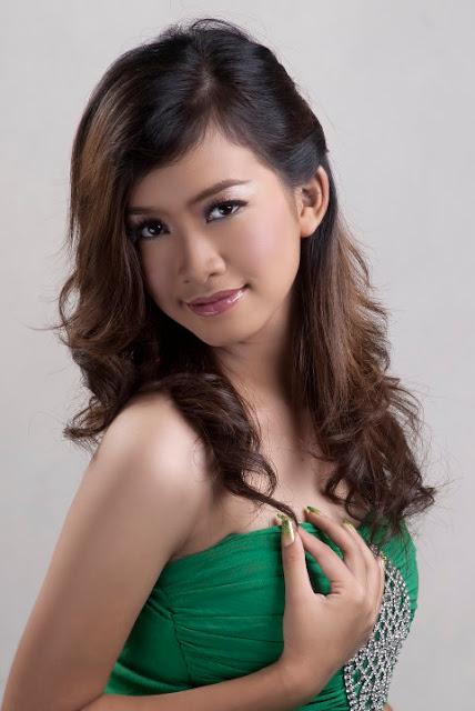 Myanmar Model, Ju Ju K with Beautiful Long Strapless