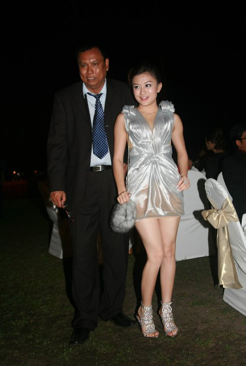 Myanmar Cute Model, Wutt Hmone Shwe Yin in Sexy Evening Dress