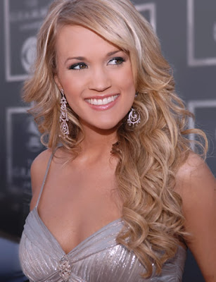 Carrie Underwood Hairstyles 2009. Carrie Underwood with