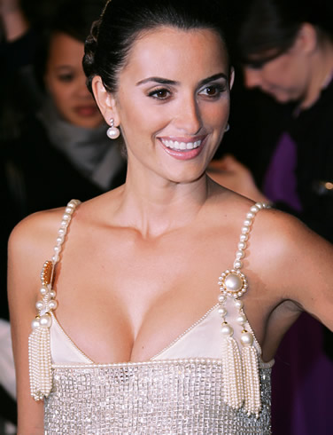 penelope cruz photos. penelope cruz blow pictures