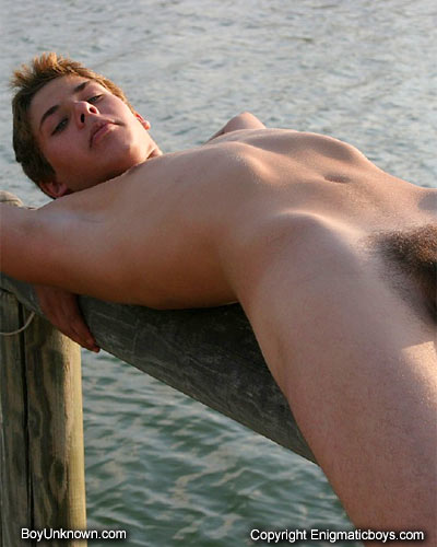 Gay Teen , Twinks , Nude Gay Photos -