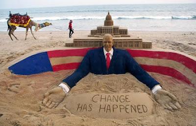 Patung Terbuat Dari Pasir