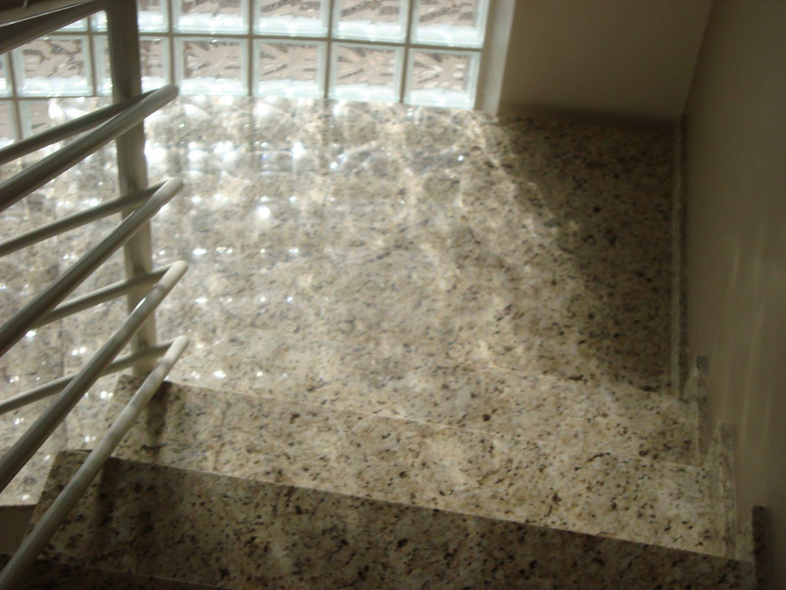 Marmoraria Granart: Escada em Granito Amarelo Ornamental #3C3423 1600x1200 Banheiro Com Granito Ornamental
