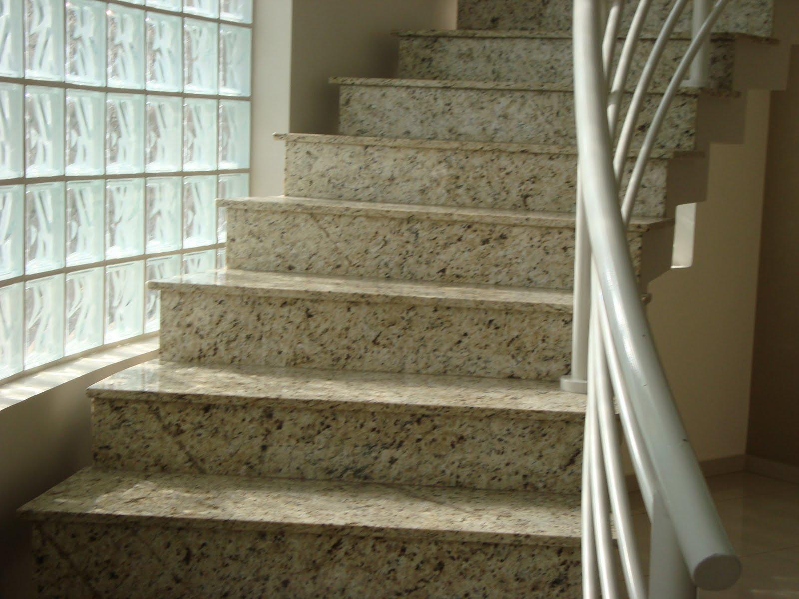 Marmoraria Granart: Escada em Granito Amarelo Ornamental #413823 1600x1200 Banheiro Com Granito Ornamental