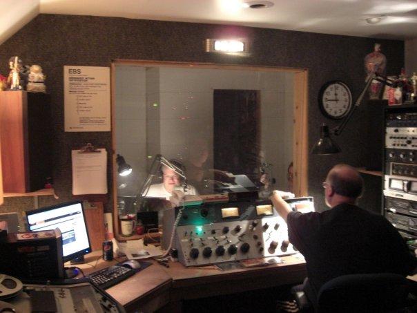 Radio Operations Desk: April 2010