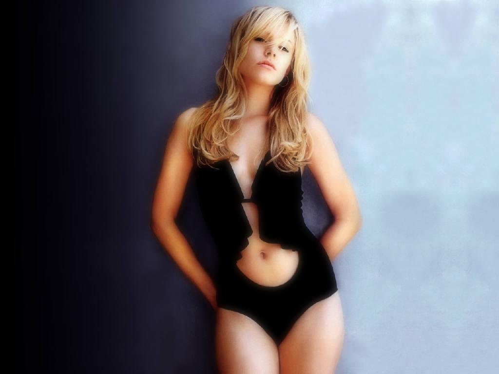 http://1.bp.blogspot.com/_E8yDRXx9UbM/TLKik3Eqb2I/AAAAAAAAAIs/cZRdr7bbT6c/s1600/Kristen+Bell-lingerie-Wallpaper.jpg