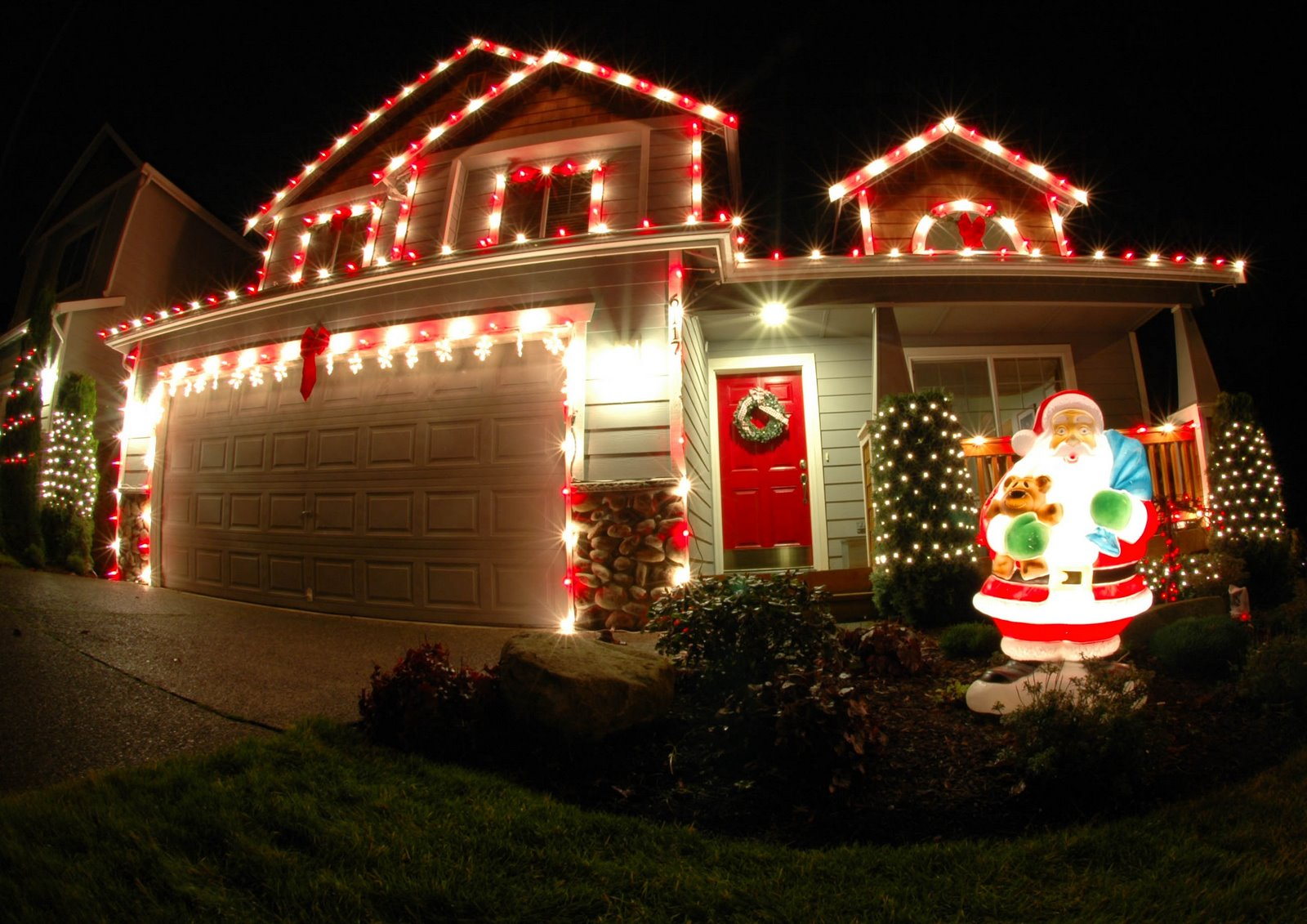 High definition photo and wallpapers christmas lights for Outer decoration of house