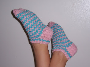 Izzy socks - Free Pattern