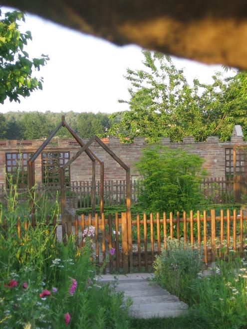 Jardin d'esprit médiéval de Douayeul