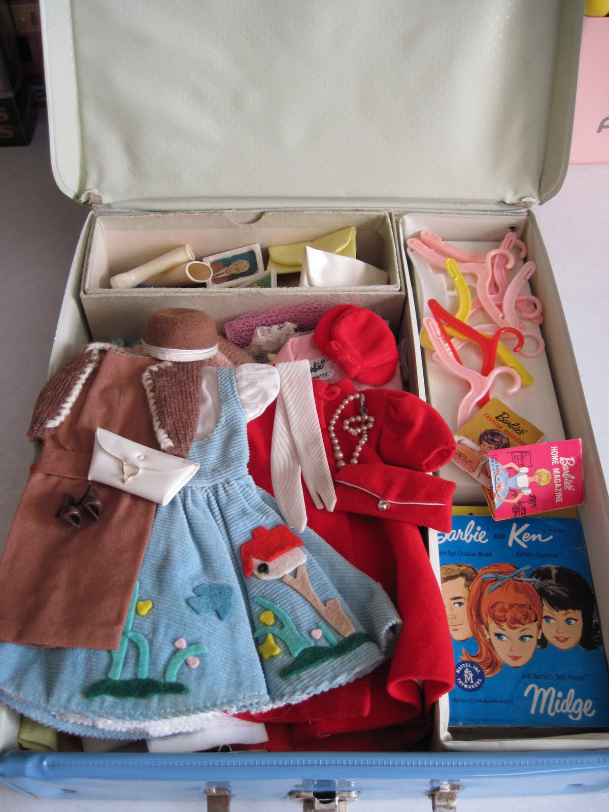 """barbie case A canadian barbie doll case it is nice has a few scratches on back is  considered to be a """"crown jewel"""" by the author of barbie vinyl cases collector  guide."""