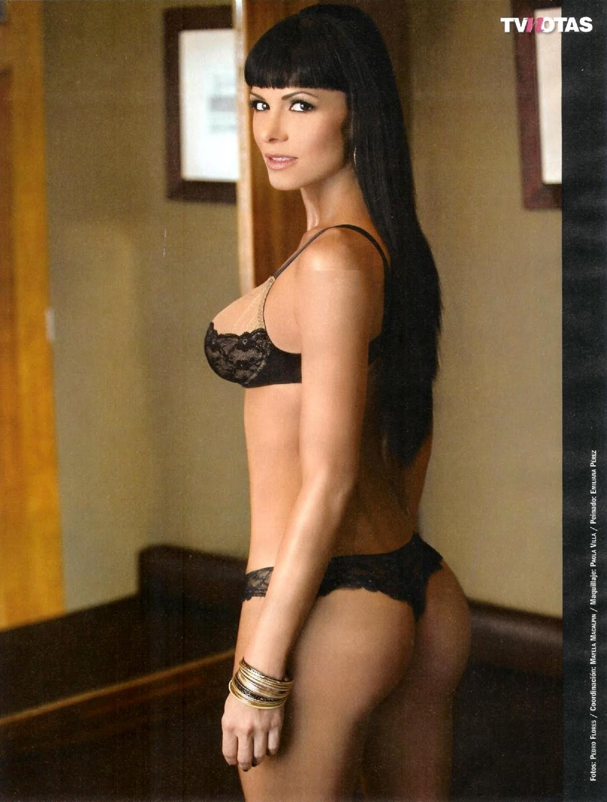 Vanessa Arias En La Revista H Para Hombres Usa   apexwallpapers.com