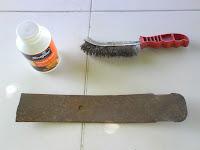 nos aydaremos de un cepillo de alambre para limpiar la superficie oxidada