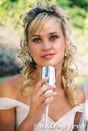 Medium length hair styles are one. Here are some of popular wedding