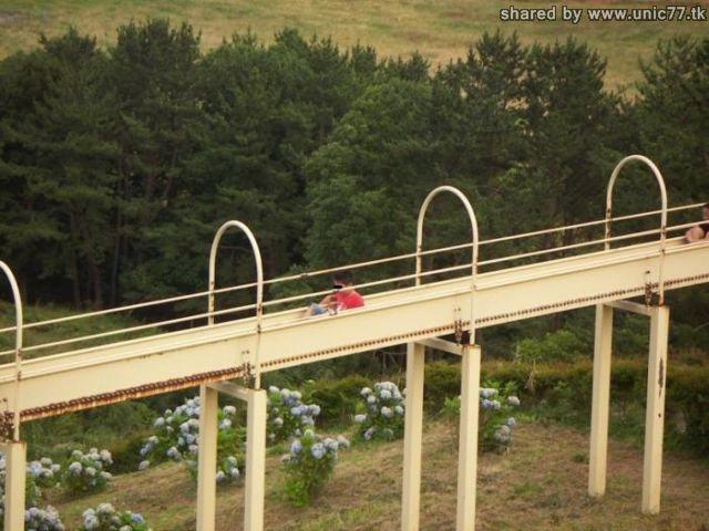 http://1.bp.blogspot.com/_EHi0bg7zYcQ/TI427RzbYvI/AAAAAAAAB1U/xo6gTFanWRI/s1600/huge_slide_05.jpg