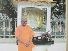 Ven. Ratanasiri Nayake Thero at the SKE Bodhi Tree